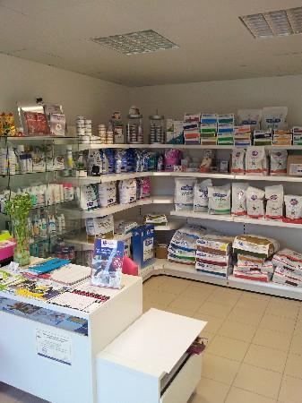 Accueil ,secrétariat et Vente d'aliments diététiques et produits vétérinaires