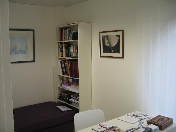 Biblioth&egrave;que, administration et salle de garde <br />